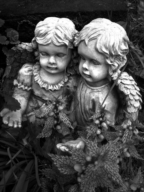 Eerie Angels Oak Ridge 2